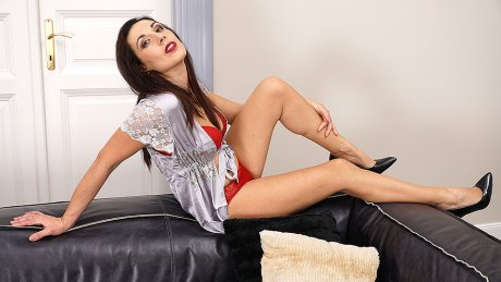 This Naughty Housewife Knows How To Please Herself
