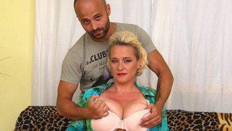 Big Breasted Housewife Getting Her Fill