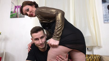 Naughty Housewife Fucking And Sucking Her Toy Boy