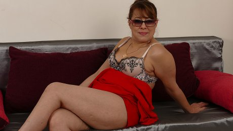 Horny Housewife Pleases Herself