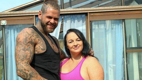 British Milf Devon Breeze sucks her masseur's cock and gets her pussy thumped