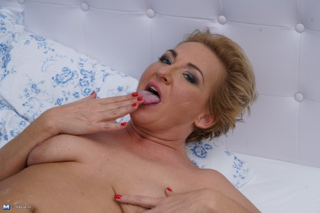 Horny housewife having the time of her life