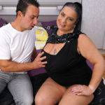 Big Breasted Mature Bbw Doing Her Toy Boy - presnted by Mature.nl