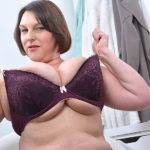 British Huge Breasted Housewife Getting Naughty As Hell - presnted by Mature.nl