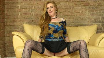 Horny Mature Angelica Loves Playing With Her Pussy - presnted by Mature.nl