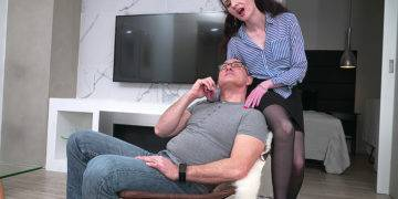 Horny Mature Lady Fucking And Sucking Her Lover - presnted by Mature.nl
