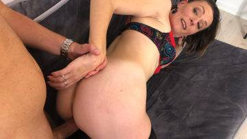 Horny Mature Slut Fucking And Taking It Up The Ass - presnted by Mature.nl