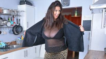 Lulu Shows Off Her Big Tits And Pleases Herself - presnted by Mature.nl