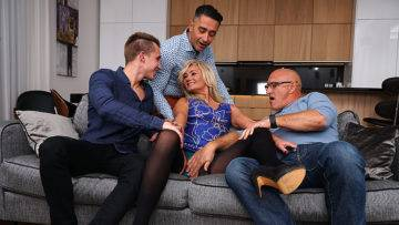 Sexy Hairy Housewife Gets Fucked In Both Holes By Three Guys And All Her Boyfriend Can Do Is Watch. - presnted by Mature.nl