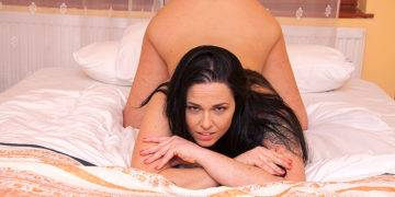 Steamy Hot Milf Riding A Big Hard Cock - presnted by Mature.nl