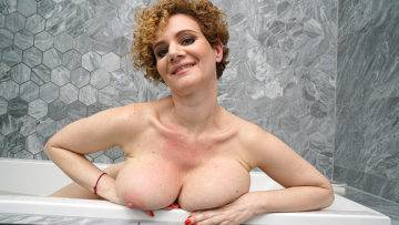 Steamy Milf With Big Tits Playing In The Bathroom - presnted by Mature.nl