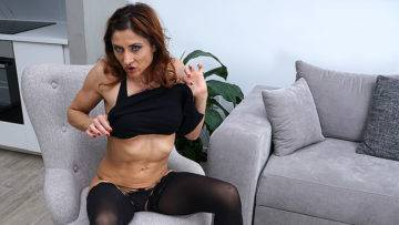 This Naughty Mom Loves To Play With Herself - presnted by Mature.nl