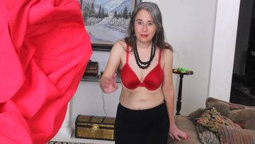 Unshaved American Mature Lady Getting Naughty - presnted by Mature.nl